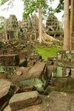 De mensen bezoeken ruïnes van de tempel van Banteay Kdei in Siem oogsten, Kambodja stock fotografie