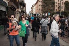 De mensen bij de Meidag paraderen in Milaan Royalty-vrije Stock Foto's