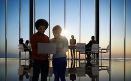 De Mensen Communicatie van het technologie Digitaal Apparaat Online Concept Stock Foto's