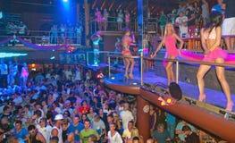 De Mensen dansend DJ Ibiza van de partij Royalty-vrije Stock Afbeeldingen