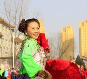 De mensen dragen kleurrijke kleren, de prestaties van de yangkodans in s Royalty-vrije Stock Afbeelding