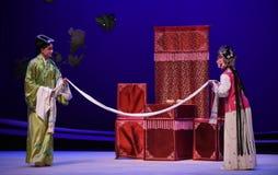 """De mensen duizend Li kunnen apart door huwelijk-Kunqu het Opera """"the Westen Chamber† worden verbonden Stock Foto's"""