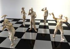 De mensen houden van cijfers aangaande een schaakbord Stock Foto's
