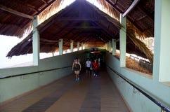 De mensen reizen bij Cu-Chitunnels Stock Afbeelding