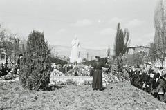 De mensen rouwen de dood van Stalin in Kislovodsk, de USSR 1953 Royalty-vrije Stock Fotografie