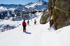 De mensen ski?en in Andorra Stock Foto
