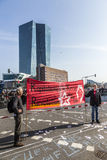 De mensen tonen tegen EZB en Kapitalisme in Frankfurt aan royalty-vrije stock fotografie