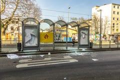 De mensen tonen tegen EZB en Kapitalisme in Frankfurt aan stock fotografie