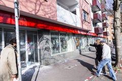 De mensen tonen tegen EZB en Kapitalisme in Frankfurt aan stock foto's
