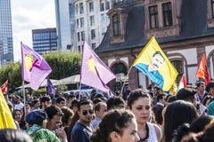 De mensen tonen tegen moord en schending van Koerdische peopl aan royalty-vrije stock afbeelding