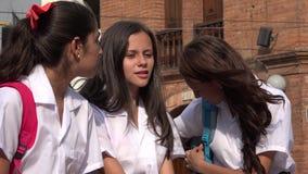 De Mensen van tienermeisjes het Spreken stock footage