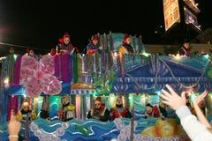 De mensen vierden crazily in de parade van Mardi Gras. Royalty-vrije Stock Afbeelding