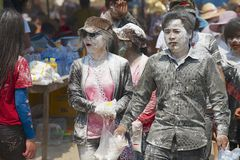 De mensen vieren Lao New Year in Luang Prabang, Laos Royalty-vrije Stock Foto