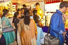 De mensen winkelen binnen Meena Royalty-vrije Stock Foto