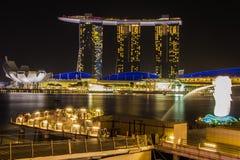 De Merlion-fontein voor het Marina Bay Sands-hotel Royalty-vrije Stock Afbeelding
