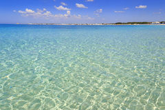 De mest härliga sandiga stränderna av Apulia: Porto Cesareo flotta, Salento coastITALY, Lecce royaltyfri bild