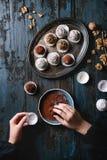 De met de hand gemaakte Truffels van de Chocolade Royalty-vrije Stock Foto's