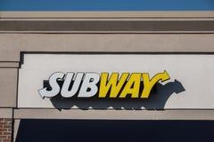 De metro is een persoonlijk gehouden snel voedselrestaurant stock foto