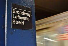 De Metro het Ondergrondse Metro van NYC Broadway Lafayette van de Stadssoho van Postnew york In District stock fotografie