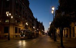 De metrolooppas door het stadscentrum stock fotografie