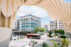 De Metropolparasol is houten structuur gevestigd Plaza DE La Encar Stock Afbeelding