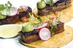 De Mexicaanse keuken van vleestaco's Stock Foto's