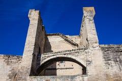 De middeleeuwse gebouwde muur van de de stadssteen van Avignon stock foto's