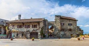 De middeleeuwse Ingang van het Dorp, Yvoire, Frankrijk stock foto