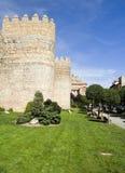De middeleeuwse Muren van de Stad in Avila, Spanje Stock Afbeeldingen