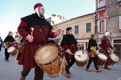 De middeleeuwse slagwerkers verbinden Stock Foto's