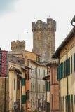 De middeleeuwse stad van Montalcino stock foto's