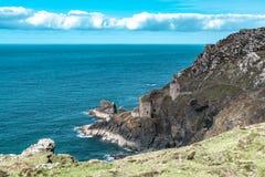 De mijnen van het Botallacktin in Cornwall het UK Engeland stock foto