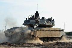 De Militair en de Tank van het leger Stock Afbeelding