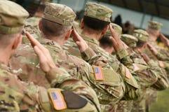 De militairbegroeting van de V.S. Ons leger De troepen van de V.S. Militair van de V.S. royalty-vrije stock afbeelding