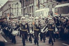 De militaire parade van St. Petersburg stock afbeeldingen