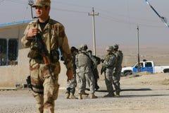 De Militairen van het Leger van de V.S. in Irak stock foto's