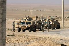 De Militairen van het Leger van de V.S. in Irak stock afbeeldingen