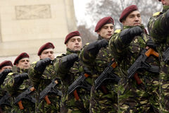 De militairen van het leger in vorming Stock Foto's