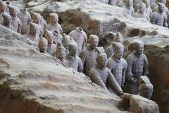 De militairen van het steenleger met paardstandbeeld, Terracottaleger in Xian, China Royalty-vrije Stock Foto