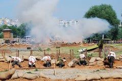 De militairen vechten op het slaggebied Stock Afbeeldingen