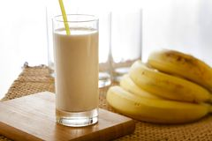 De milkshake van de banaan Stock Afbeeldingen