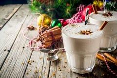 De milkshake van de Kerstmiseierpunch stock afbeelding