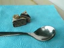 De miniatuurcake van de polymeerklei op de lijst Royalty-vrije Stock Afbeelding