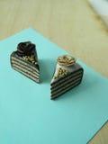 De miniatuurcake van de polymeerklei op de lijst Royalty-vrije Stock Foto