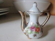 De miniatuurpot van de Porseleinthee Royalty-vrije Stock Foto