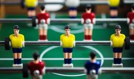 De minilijst van het voetbalspel in dichte omhooggaande mening stock foto