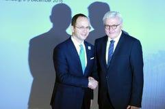 De minister Dr Frank-Walter Steinmeier stemt in met Ditmir Bushati royalty-vrije stock fotografie