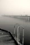 De mist van de winter over het overzees met een romantisch gevoel Stock Foto