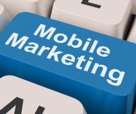 De mobiele Marketing Sleutel toont Online Verkoop en Bevordering Royalty-vrije Stock Foto's