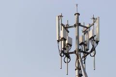 De mobiele toren van het telefoonbasisstation stock afbeeldingen